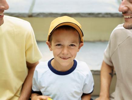 חותרים תחת המוסכמה החברתית. משפחות עם שני אבות צילום - אימאג'בנק thinkstock