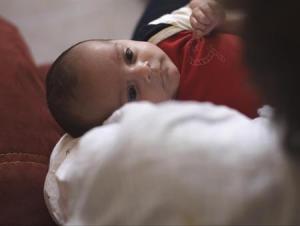 תינוק שנולד להורים באמצעות אם פונדקאית במקסיקו   צילום-רויטרס
